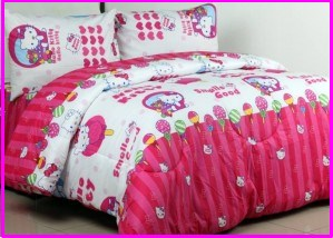 Sprei Star Collection Hello Kitty Candy Strawberry