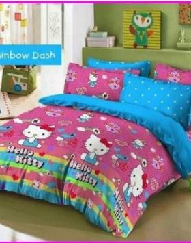 Produk Hello Kitty berupa sprei motif Raibow Dash